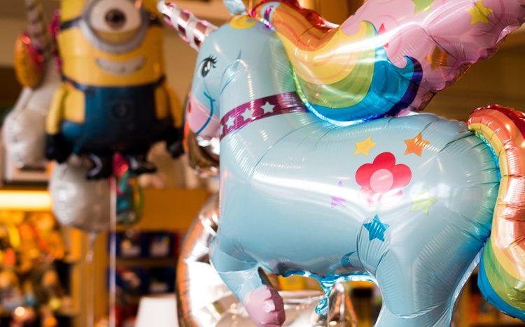Einhorn-Ballon mit Helium