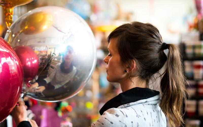 Ballon mit Helium füllen
